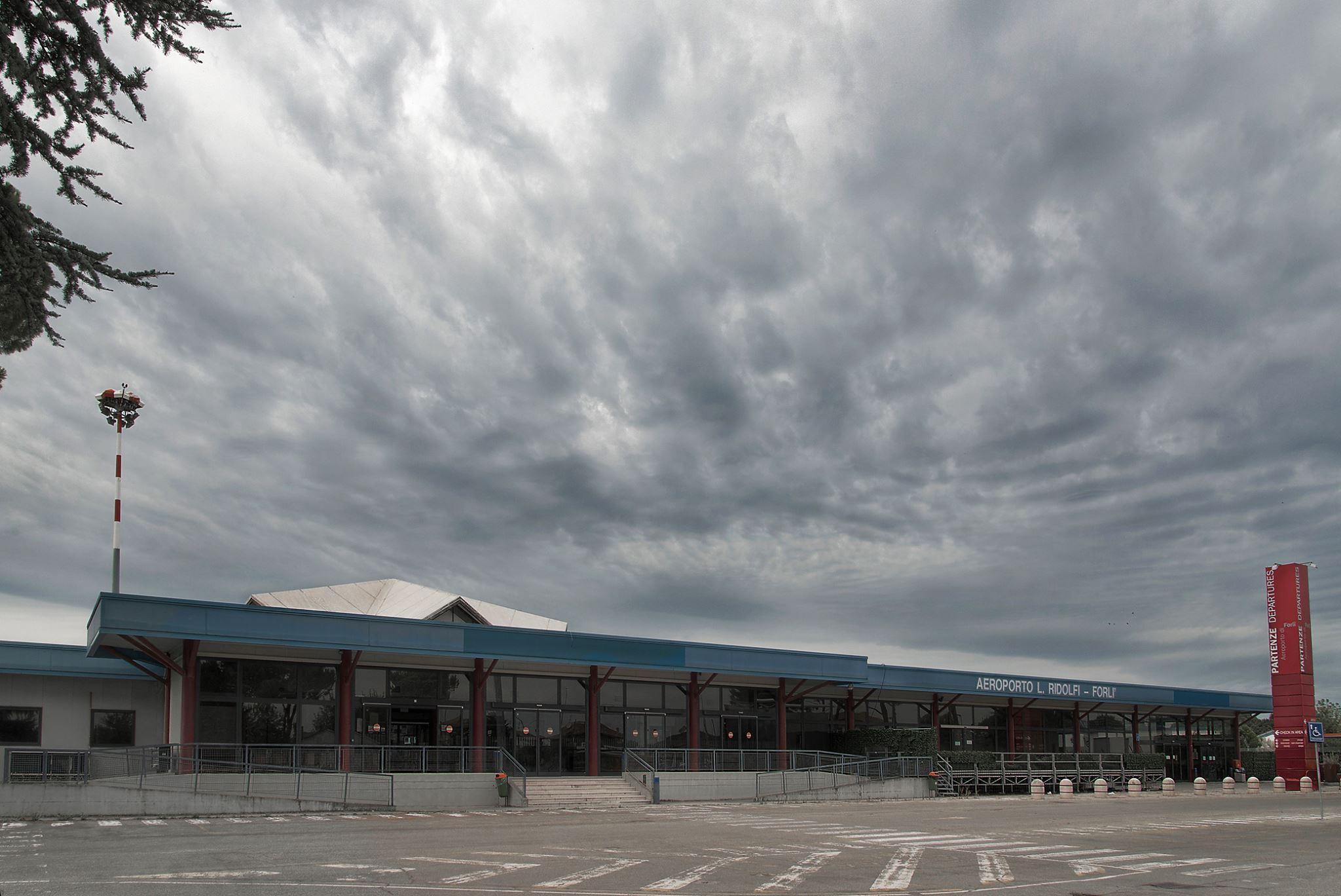 aeroporto di Forlì foto fabrizio verni