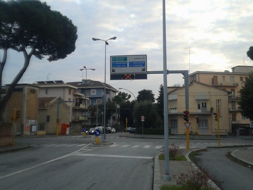 semaforo via Spadolini via Costa Forlì