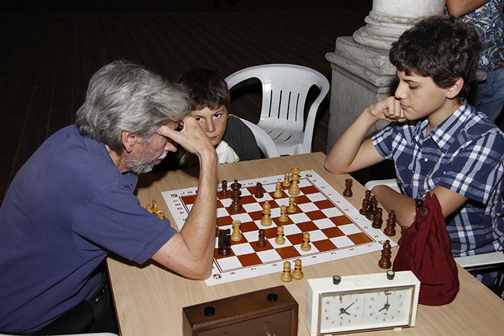 scacchi nel chiostro forli