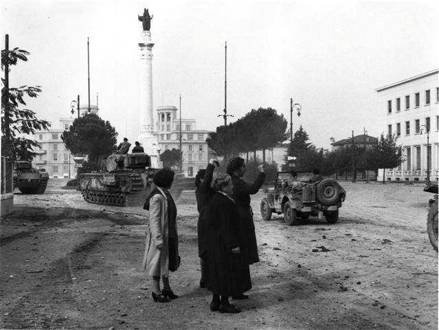 Piazzale della vittoria Liberazione Forlì