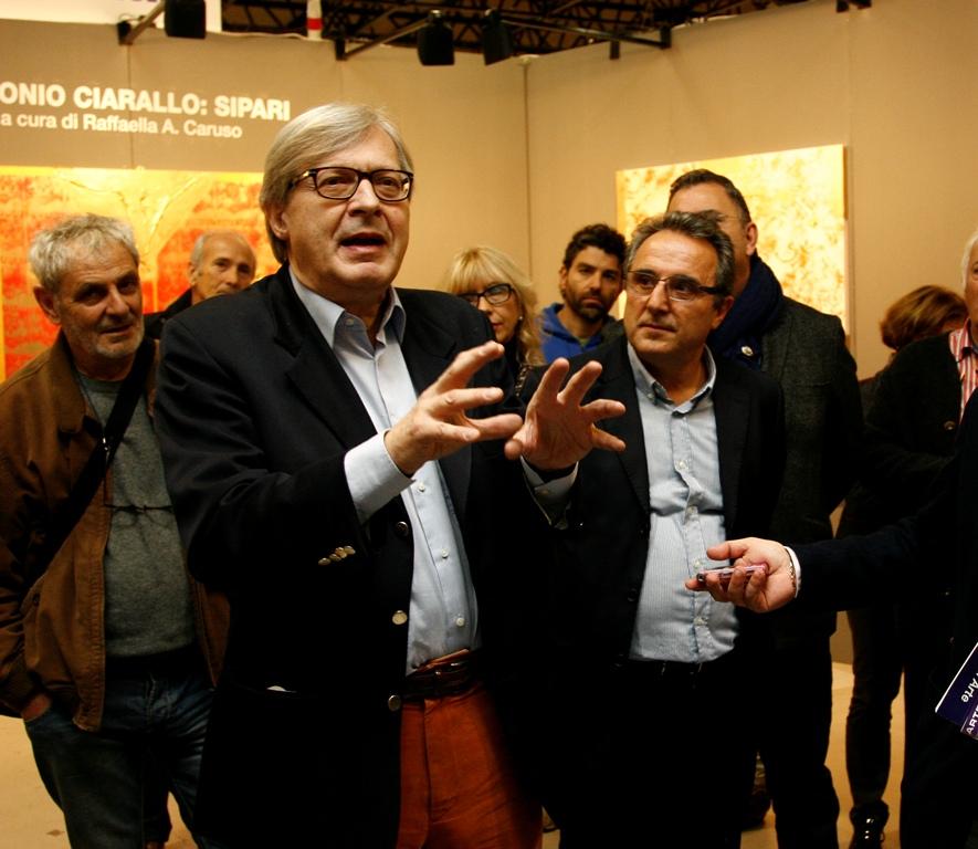 Vittorio Sgarbi alla Fiera di Forlì
