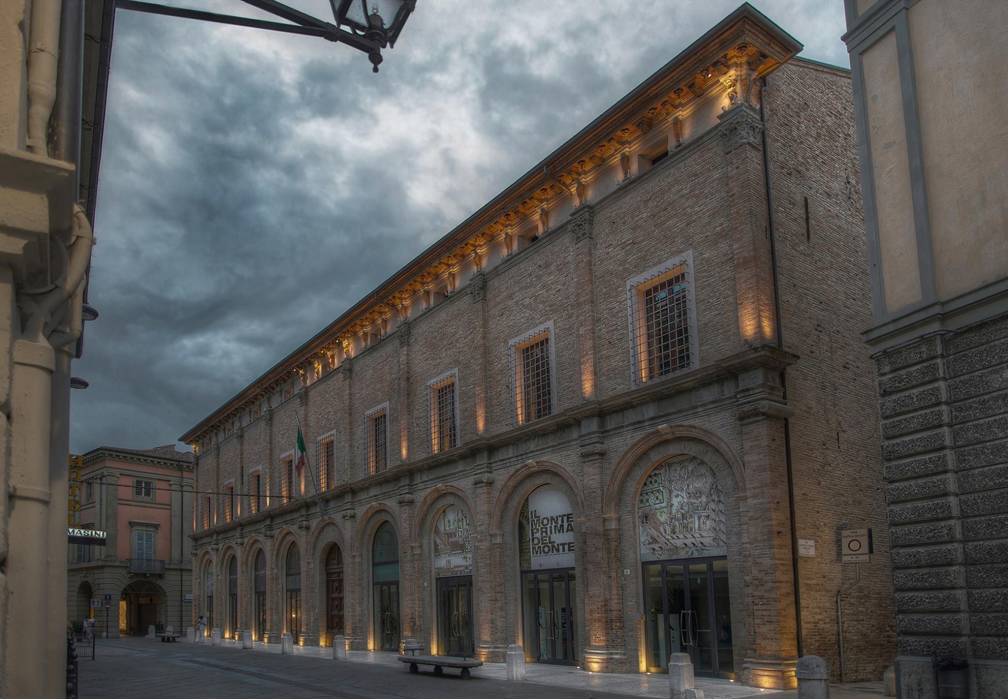 palazzo ex monte di pietà di Forlì foto Fabrizio Verni