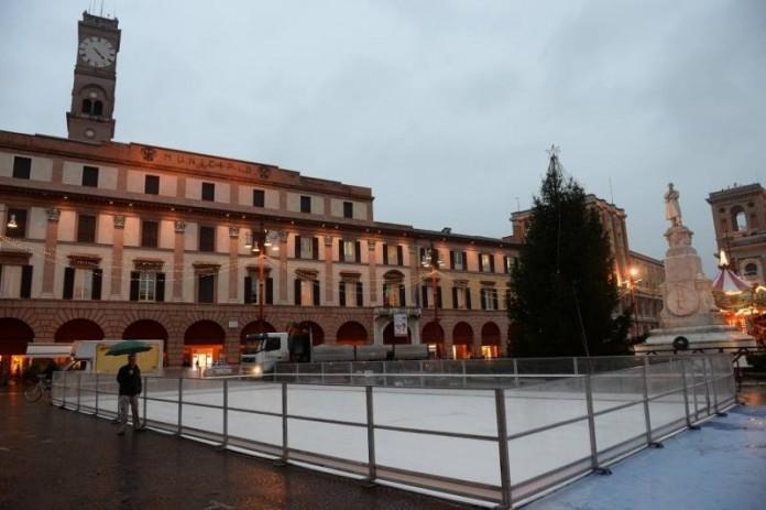 pista sul ghiaccio a Forlì foto di Roberto Caroli